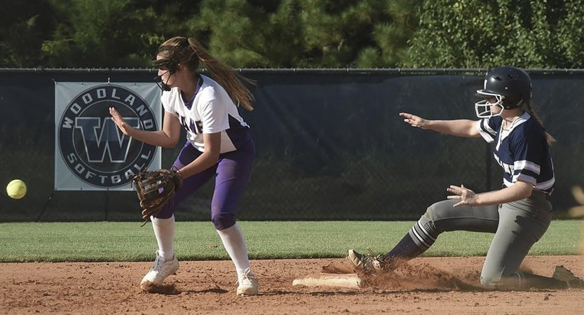 Wildcats pull away from Colonels for rivalry win